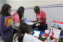 Feira de Universidades Internacionais no High School